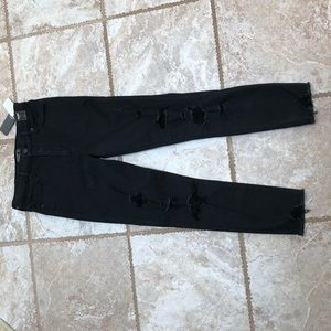 BRAND NEW ABERCROMBIE HIGH WAISTED SKINNY JEANS